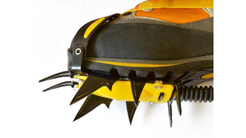 spikes on crampons